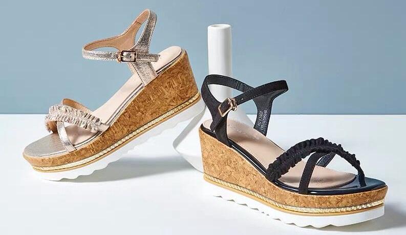"""品牌女鞋""""依思Q""""诞生15年来力度最大的一次活动,小仙女们千万不要错过!"""