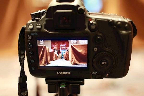 海口11月26日会议需要摄影师一名