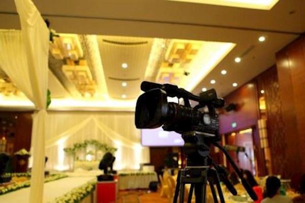 22日江苏扬州需要摄影摄像各一名