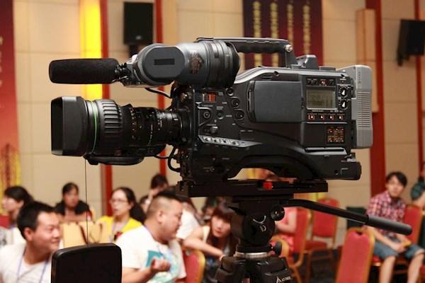 10.27广州需要一摇臂两摄像以及电视提词器