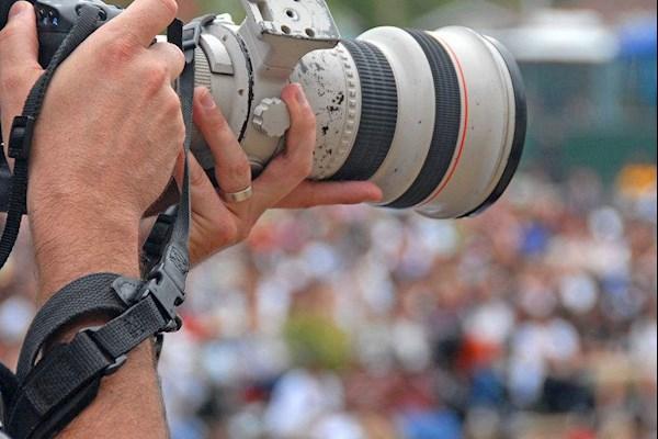 菏泽自然堂路演商场需要摄影师一名