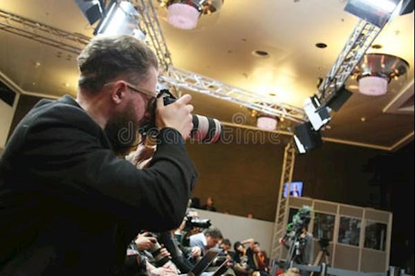 上海4月16日需要摄影师一名