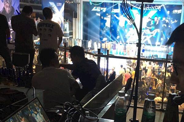 4月21日成都白小姐论坛需要FS7电影机4台加摇臂